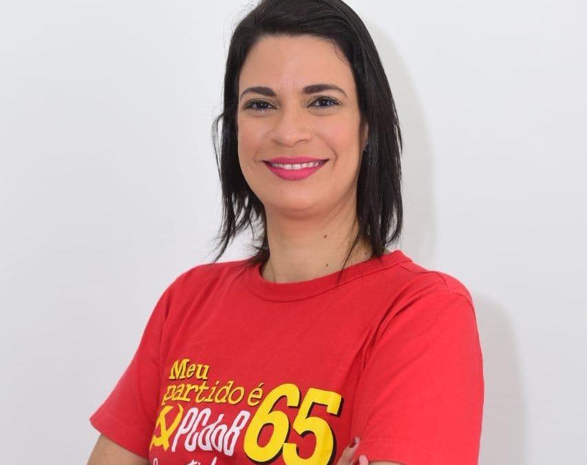 Candidata a vereadora pelo PCdoB em João Pessoa, Gregória Benário responde ataques sofridos em comentários das redes sociais; assista